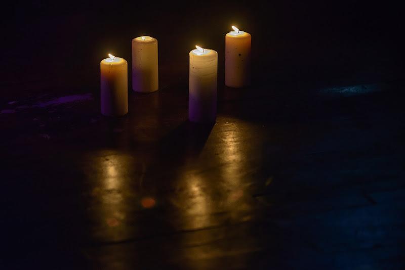 Four Candles di Domenico Cippitelli