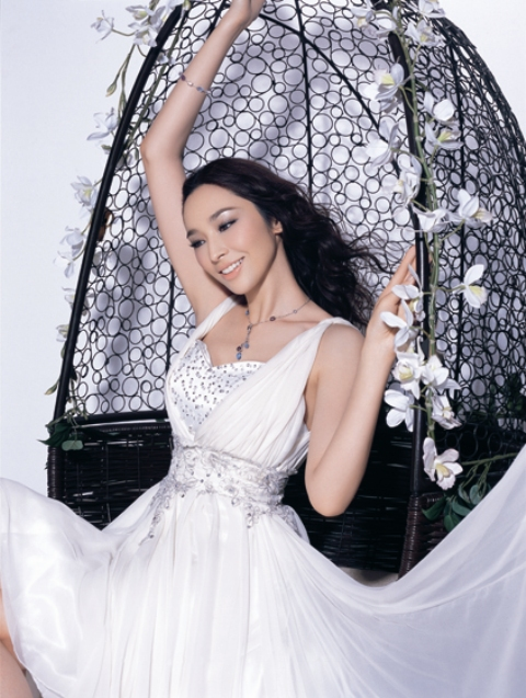 wedding dress maning