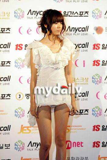 Han Hyo Joo at 2007 Golden Disk Awards' Korea :: Dream Girls