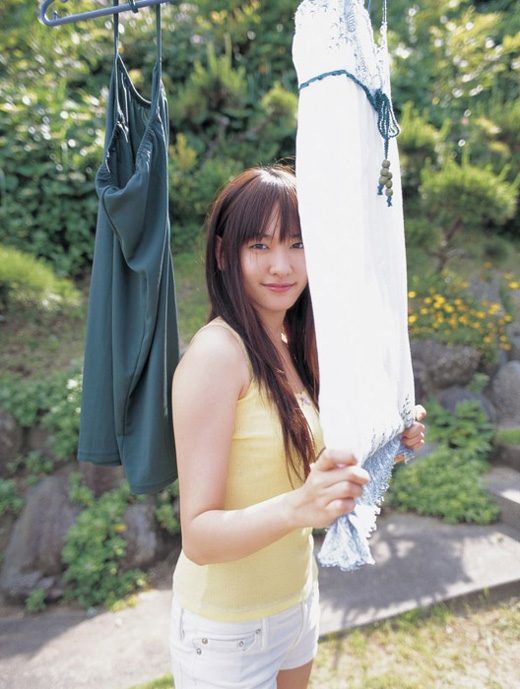 Yui Aragaki in sexy dress collection 2