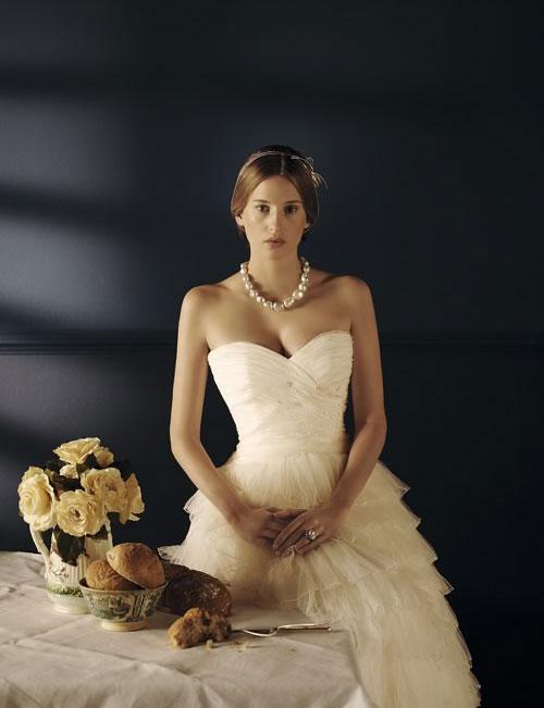 Model novias wedding dresses wedding dresses asian for Places to buy wedding dresses near me