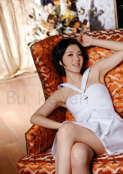 Sexy Chinese Actress and Model Zeng Li Beautiful Photoshoot