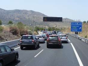 Photo: Málaga megtelt, meg kell várni, hogy valaki elhagyja a várost, akkor befér a helyére egy autó :-) Traffic jam, Malaga is full.
