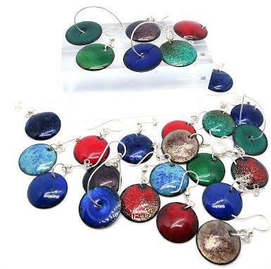 Smycken med glasemalj