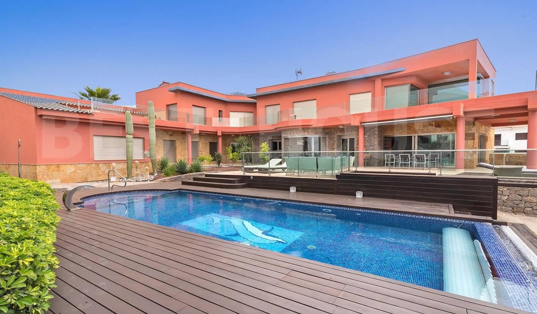 Maison avec piscine et terrasse Sonnenland