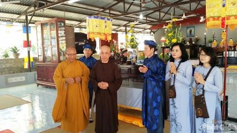 Chứng minh và tham dự có chư tôn đức Tăng Ni môn đồ đệ tử tỉnh Khánh Hòa