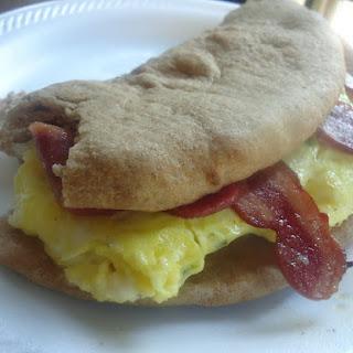 Scrambled Egg with Turkey Bacon Pita