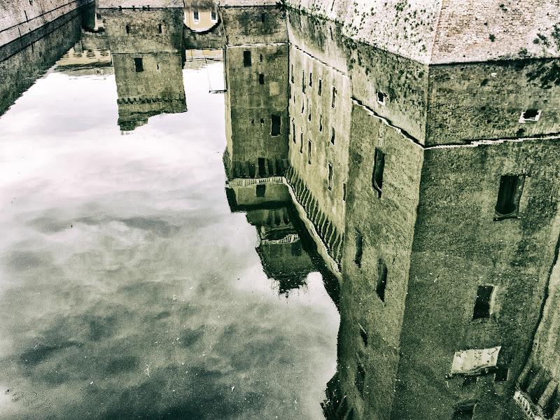Fossato Castello  di Sergej