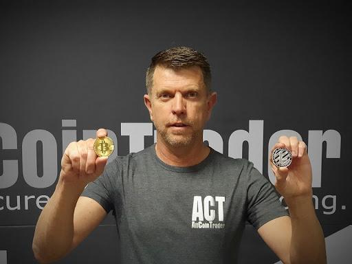 Richard de Sousa, CEO of AltCoinTrader.