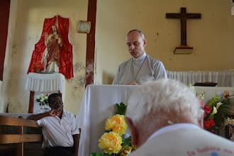 Photo: Sur l'Ile Sainte-Marie, avec le Père Roustit