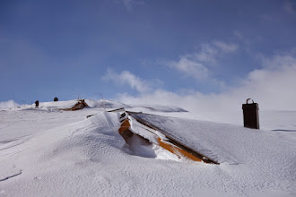 Photo: Storsteinen turisthytte var nedsnødd