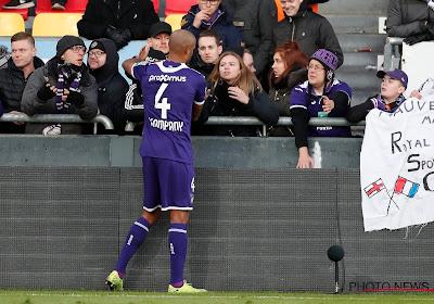 """Vanhaezebrouck sur Kompany : """"N'importe quel autre joueur serait sur le banc ..."""""""