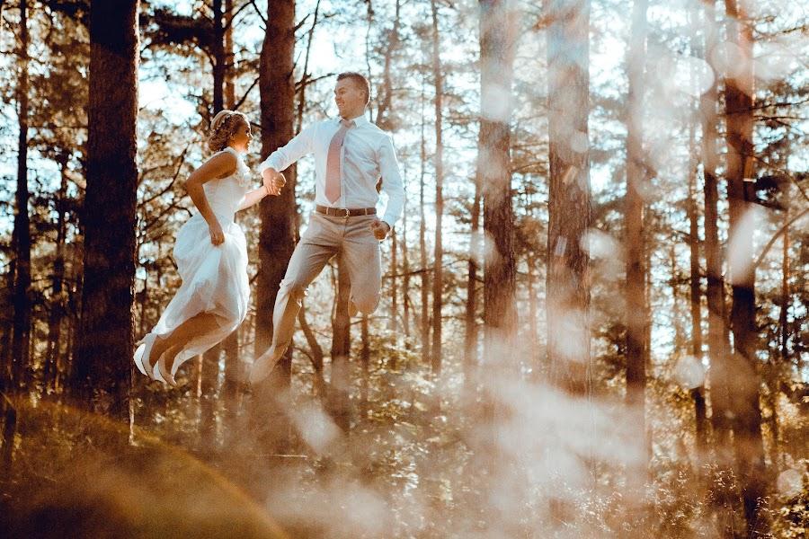 Свадебный фотограф Ромуальд Игнатьев (IGNATJEV). Фотография от 03.01.2015