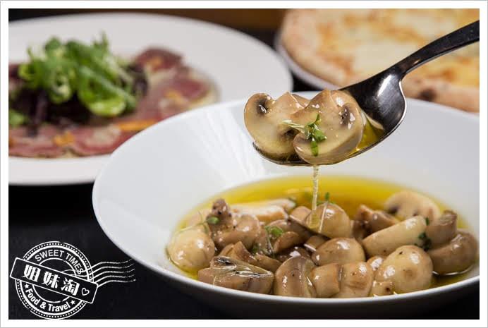 波特廚房很多橄欖油煮蘑菇