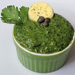 SALSA VERDE AL PREZZEMOLO con wasabi e salsa di soia