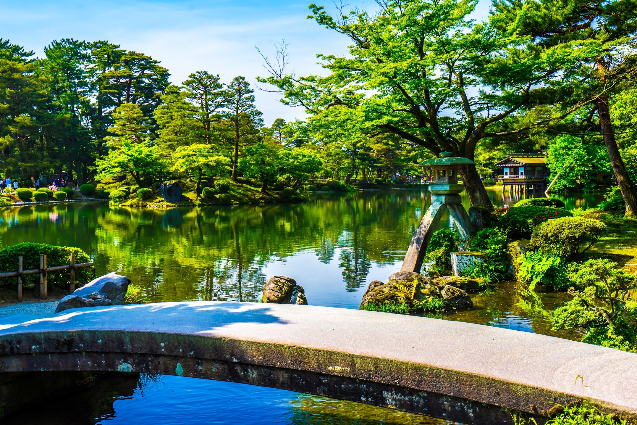 Kenrokuen Garden Kotoji Stone Lantern2