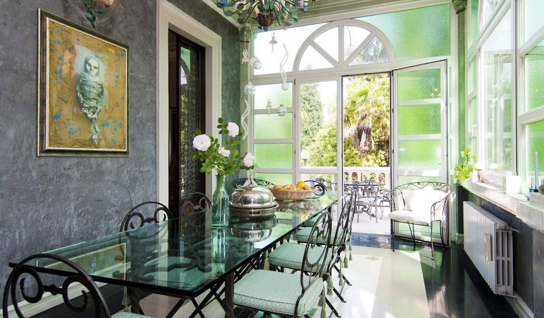Villa avec jardin et terrasse Luino
