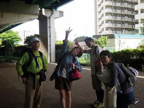Photo: 朝7時過ぎ、スタッフ集合。 シブジャガ親分、もえちゃん、けーすけ、ナナ