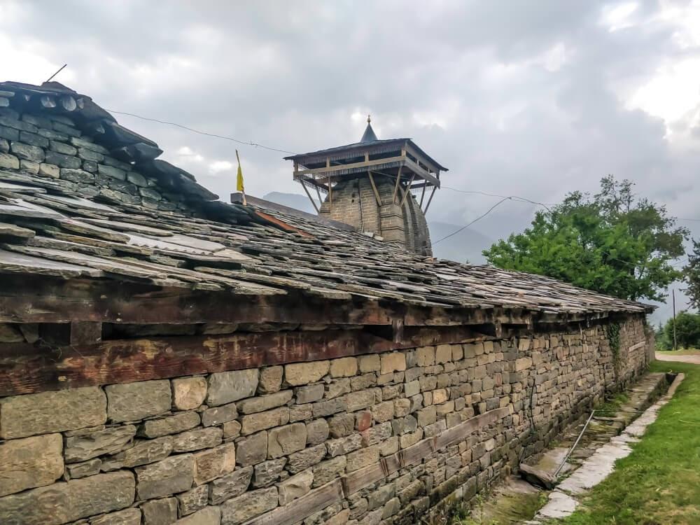 krishna+temple+fence+naggar+village+manali+himachal+pradesh
