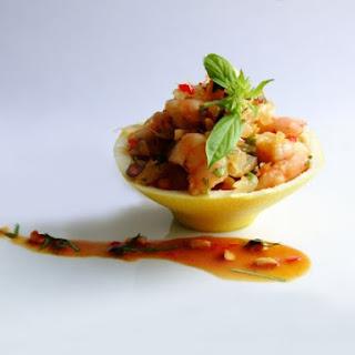 Pomelo salad ( Yam som Oo )