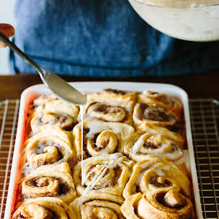 How To Make the Easiest Cinnamon Rolls.