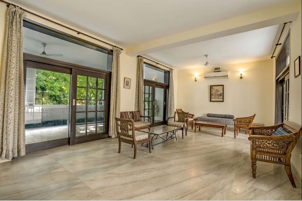 best-places-for-house-party-delhi-ncr-Chic_5_Bedroom_Home_73084_Air_BnB