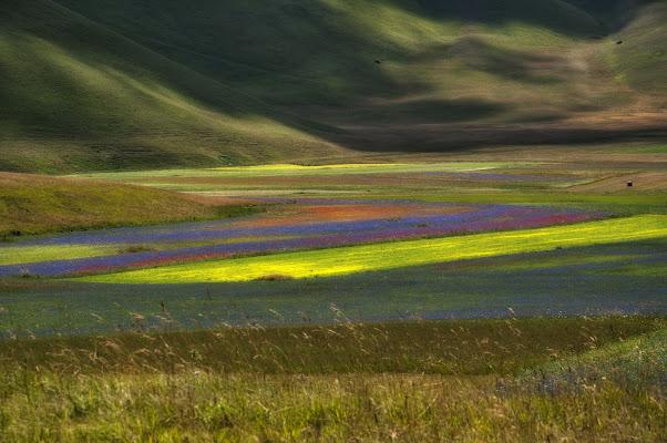 Arcobaleno di colori sul Pian grande di lcanest
