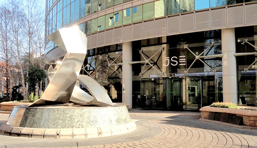 JSE on track for weekly gain on Friday as Moody's threat looms