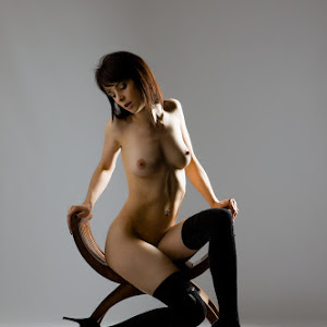 vineeta_rose_studio_nude_2J2U8852-Edit.jpg
