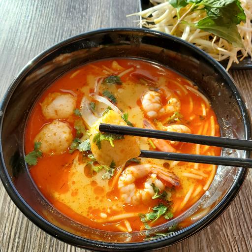 Tom Yum Vermicelli Soup (Bun Thai)