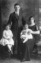 Photo: Mildred Tulman, Harry Tulman, Muriel Tulman, Anna Braunhart Tulman