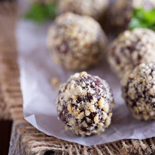 Nut Butter And Flax Powerballs.