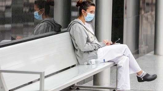 Andalucía alcanza los 100 hospitalizados y ya son 17 pacientes en la UCI
