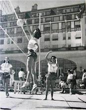 Photo: Quadra de esportes do Palácio Quitandinha. Foto de Frank Scherschel
