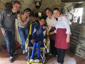 Photo: En el Pazo de Santa María, en Arzua, con nuestros anfitriones.
