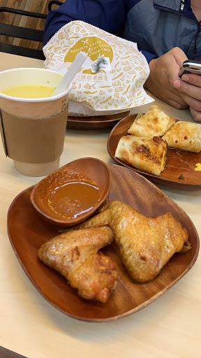 極力推薦好的早餐帶你展開美好的一天 0.5分是因為比一般早餐價格偏高,剩下一切都很美好,服務也不會因為早餐店忙碌而失溫