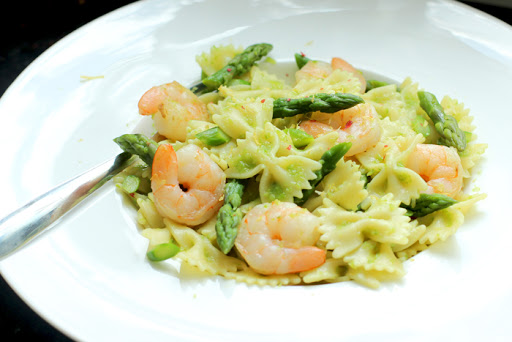 Farfalle Pasta with Prawn and Asparagus