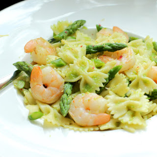 Farfalle Pasta with Prawn and Asparagus.