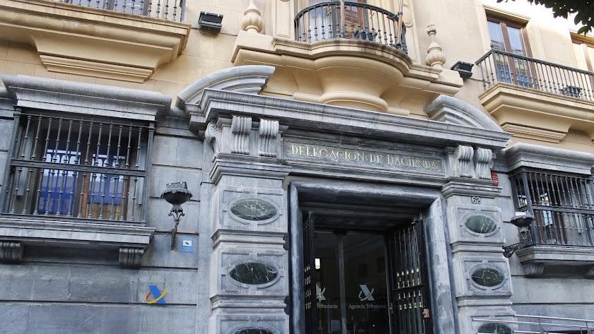 Sede de la Agencia Tributaria en el Paseo de Almería.