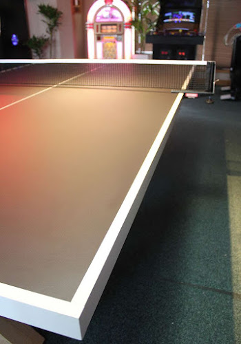 Custom Black Table Tennis Table with White Markings