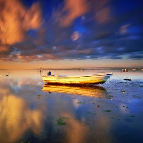 Stuck by Hendri Suhandi - Landscapes Cloud Formations ( clouds, bali, tuban, sunrise, beach )
