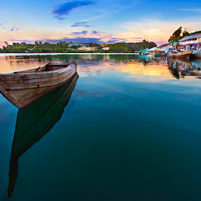 by Victor Lin - Transportation Boats