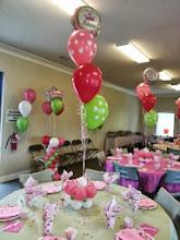Photo: table decor  with balloon bouquet