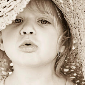 Blowing daddy kisses x by Greera Smyth - Babies & Children Child Portraits