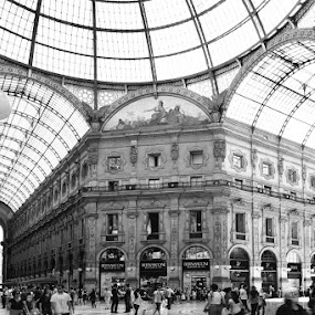 Plaza Duomo, Milan by Lindra Hismanto - Buildings & Architecture Public & Historical ( milan, lindra, hismanto, duomo, pwcbuilding, plaza )