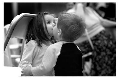 子供ってかわいいな~ The child is lovely