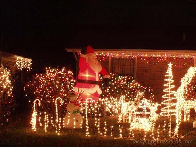 やりすぎなクリスマスライトアップ