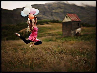 Girls with balloons - 女性とカラフルな風船たち