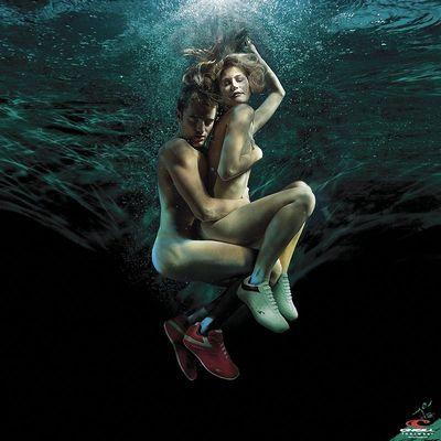 水中アート
