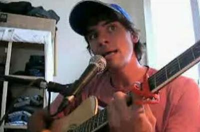外国人が隣のトトロの歌をギターで歌う